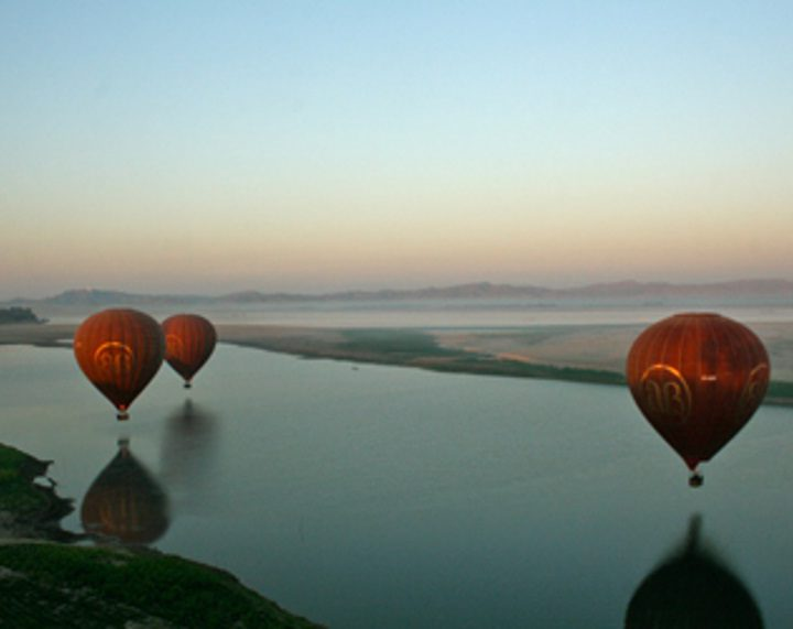 balloons-over-bagan2